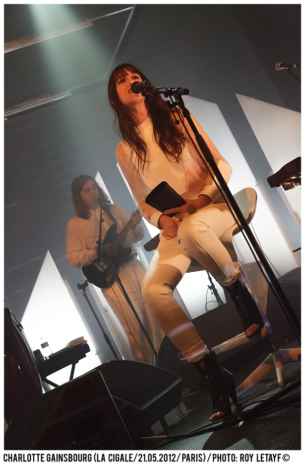 charlotte-gainsbourg_cigale_21-05-2012_3216-938