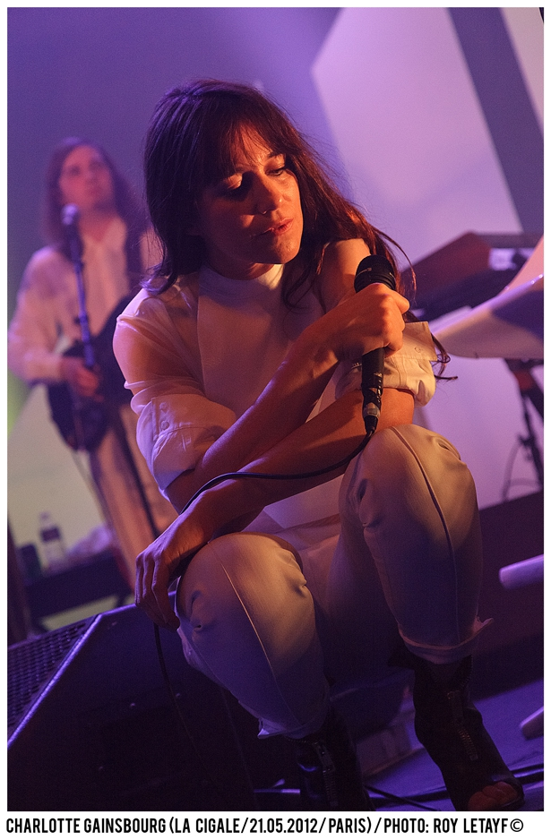 charlotte-gainsbourg_cigale_21-05-2012_3782-938