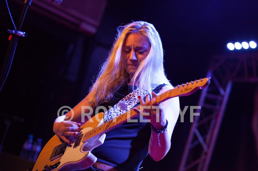 Joanne-Shaw-Taylor_9718