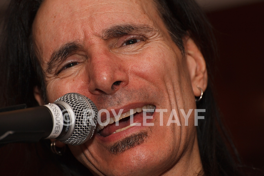 Steve-Vai_GuitareTV_5265