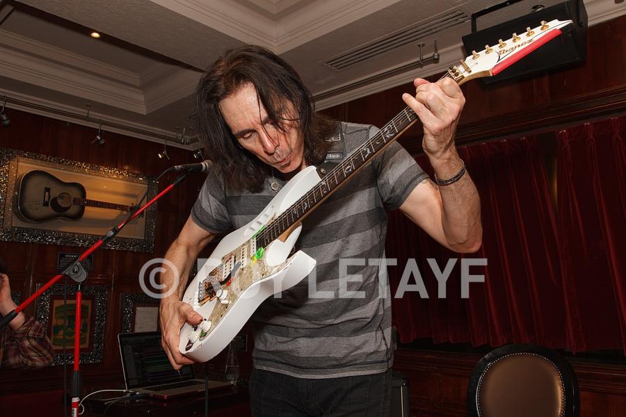 Steve-Vai_GuitareTV_5361